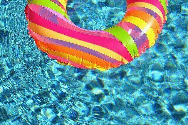 Comment choisir entre piscine tubulaire ou autoportée ?