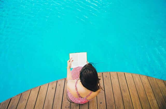 Comment réaliser un habillage bois pour piscine tubulaire ?