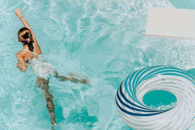 Bestway ou Intex : la meilleure piscine tubulaire.